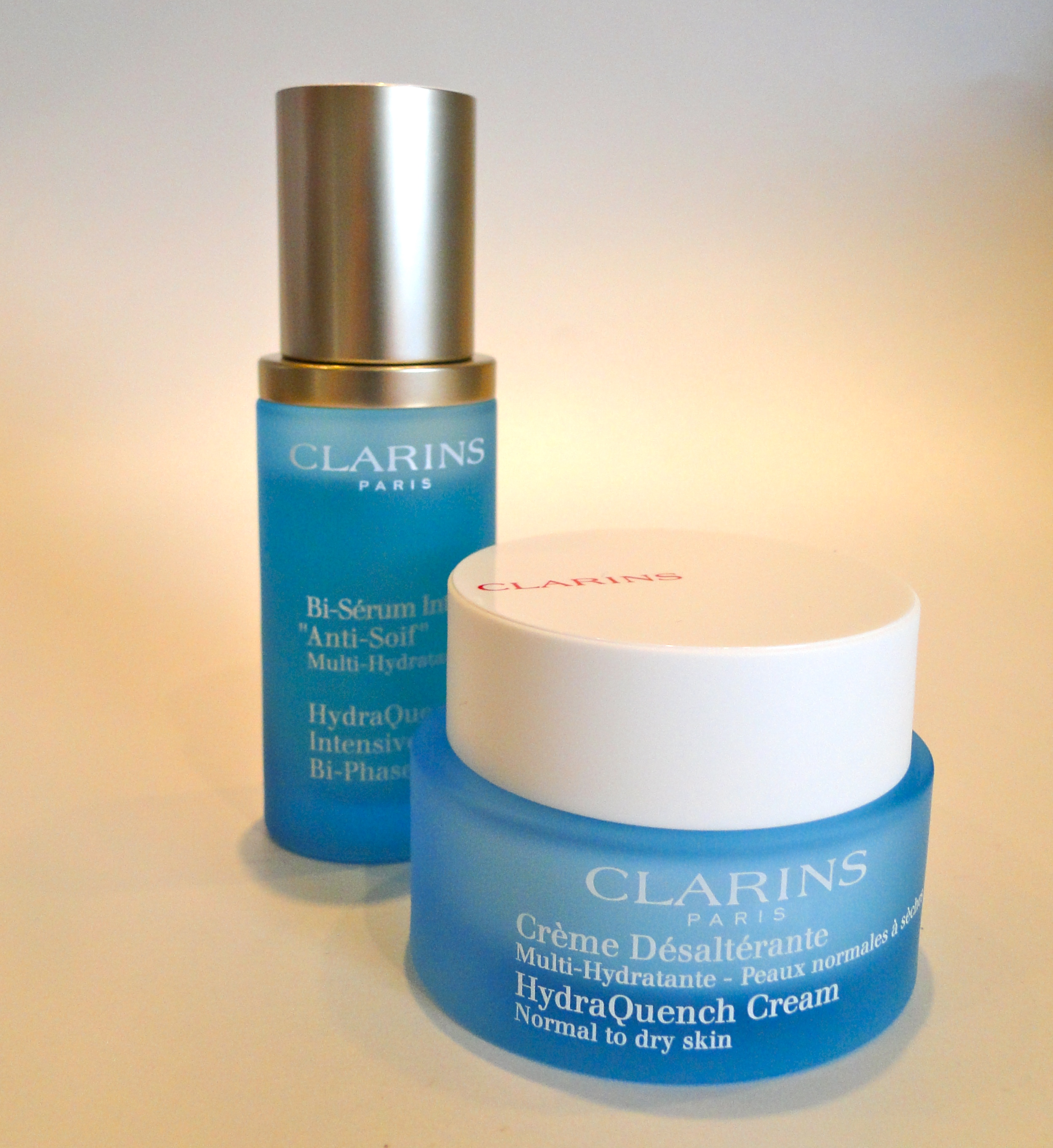 clarins hydraquench serum and cream the luxe list. Black Bedroom Furniture Sets. Home Design Ideas