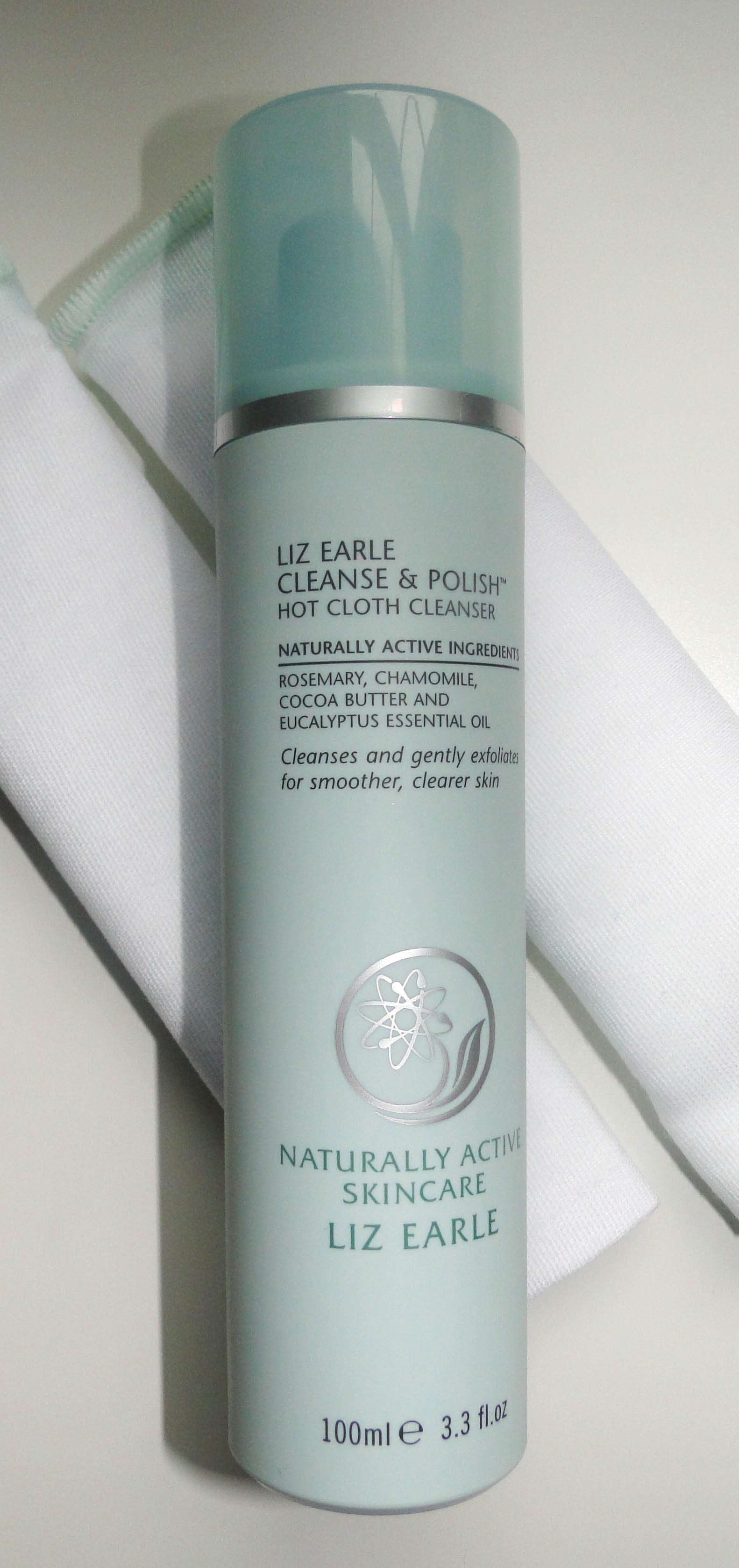 Liz Earle Cleanse & Polish Hot Cloth Cleanser 3