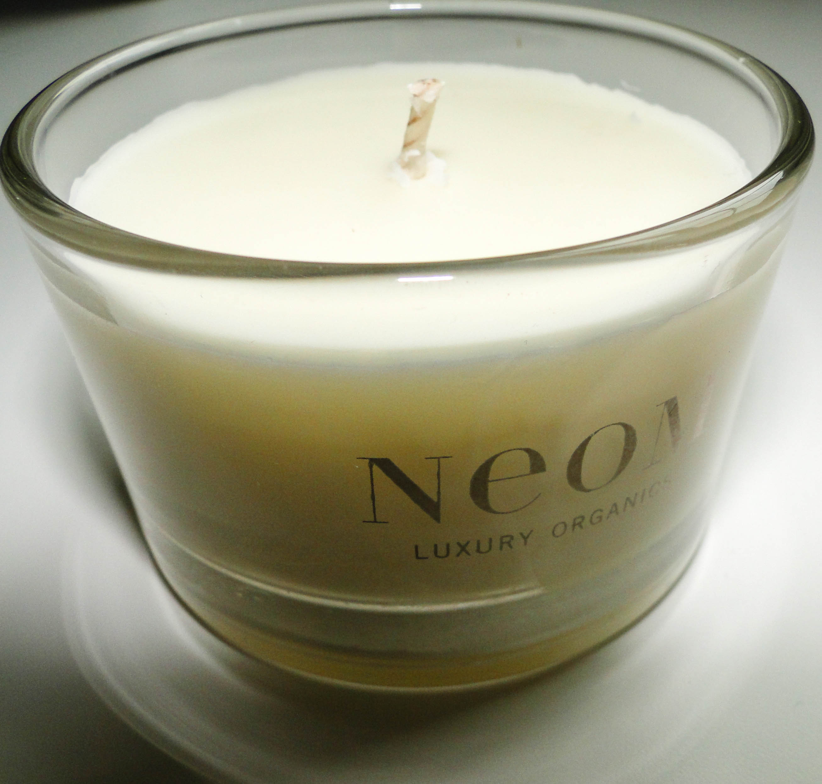 Neom Happiness Candle 1