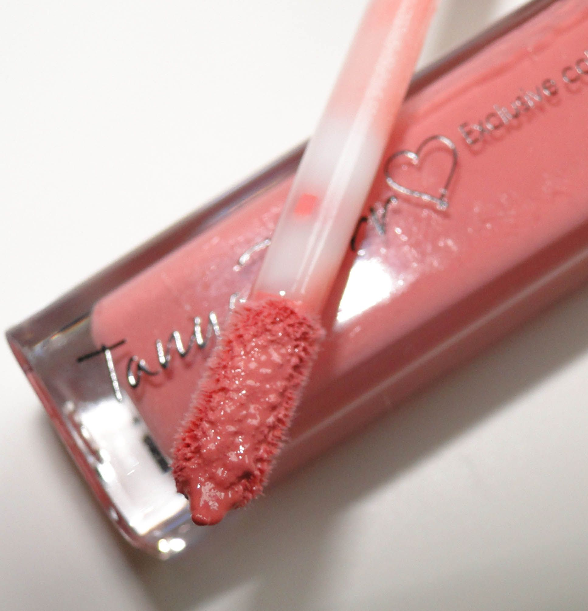 Tanya Burr Lipgloss and Nail Varnish-4