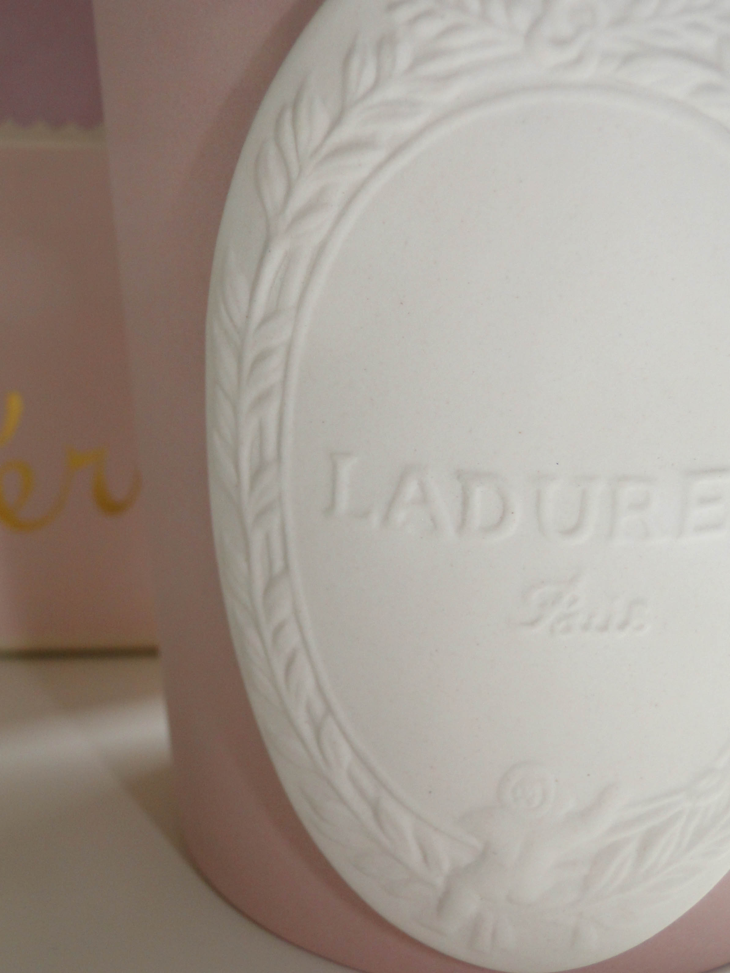 Laduree Geranium Candle-3
