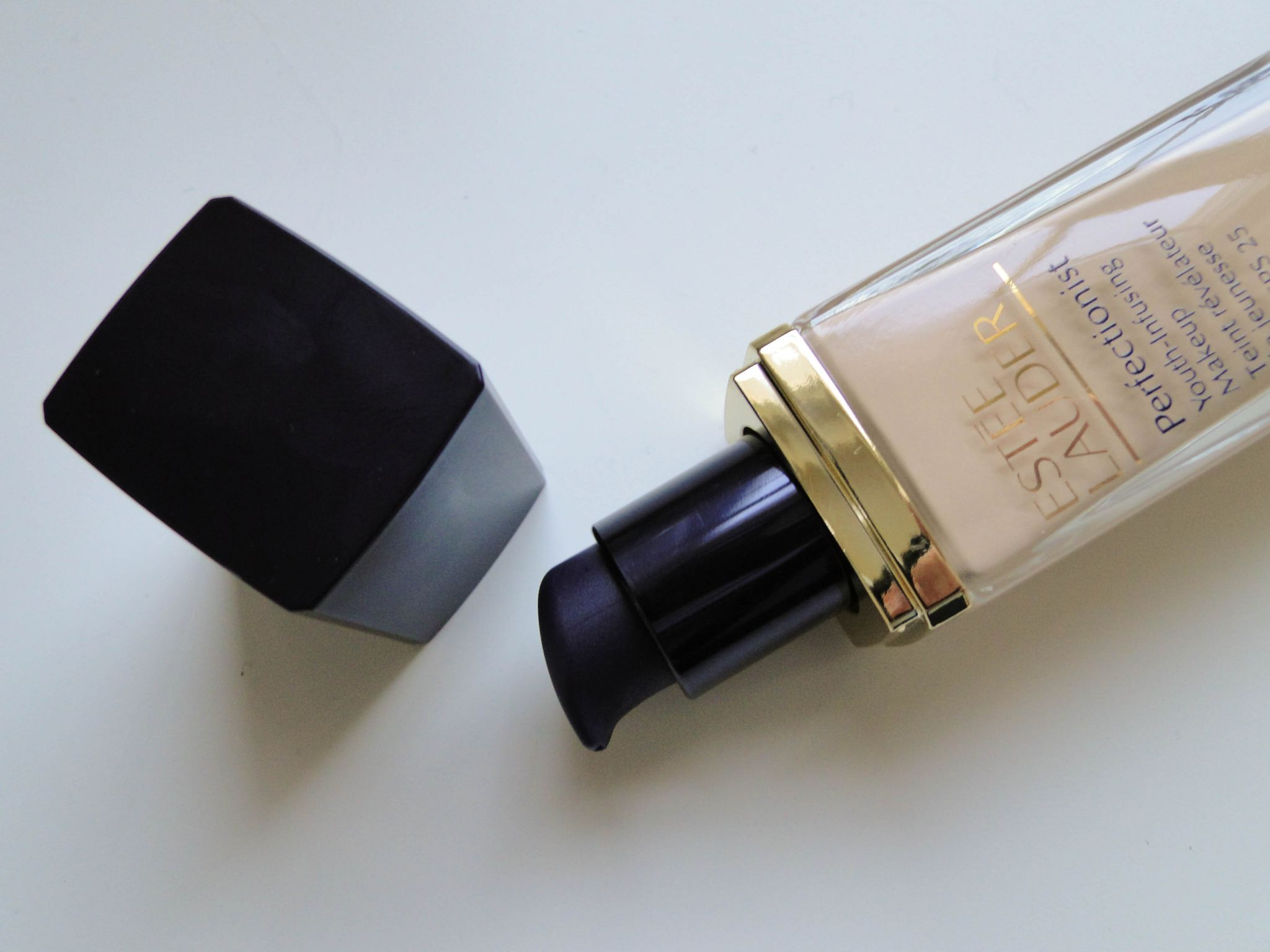 Estee Lauder Perfectionist Foundation-2