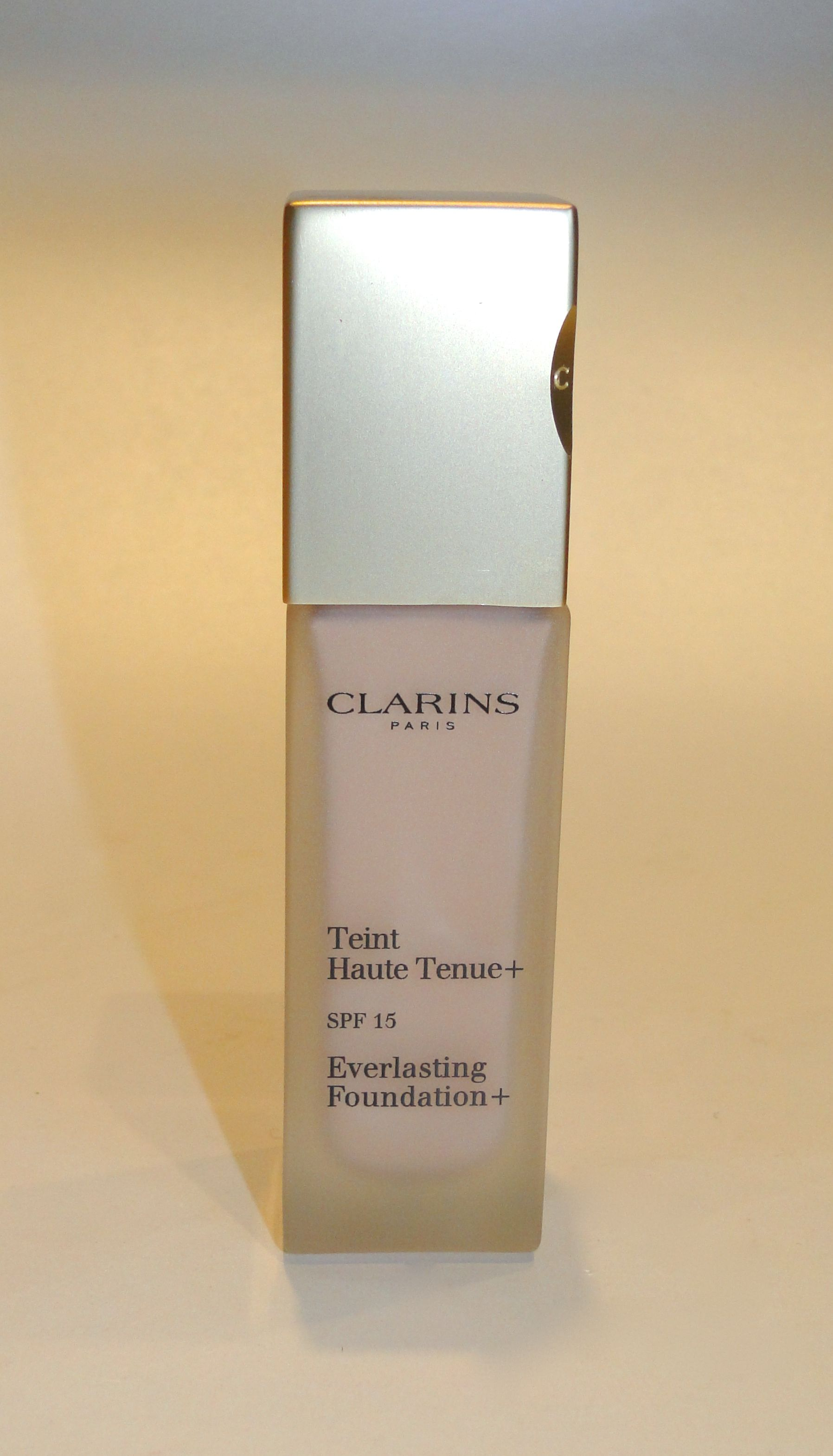Clarins Everlasting+ Foundation 1