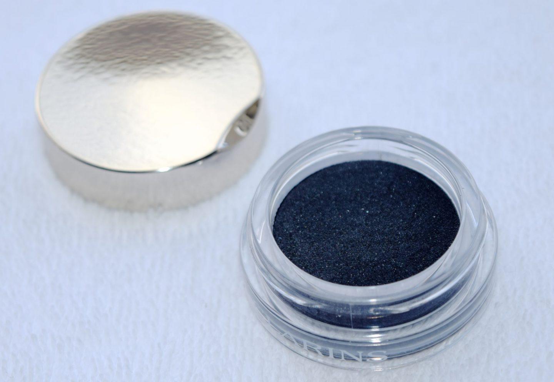 Clarins Ombre Matte Cream-to-Powder Matte Eyeshadow 07 Carbon 2