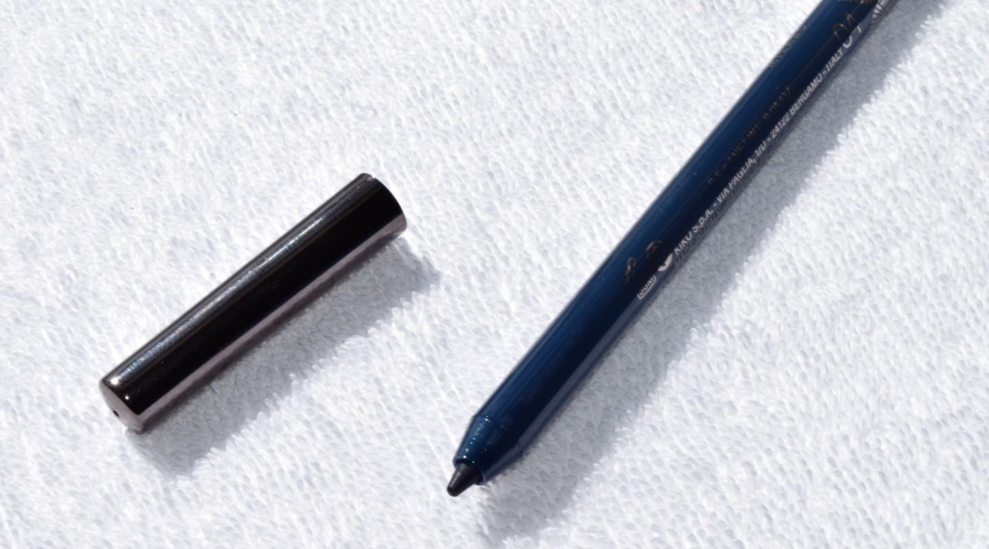 Kiko Colour Definition Eyeliner and Kajal 04 Amazon Blue 1