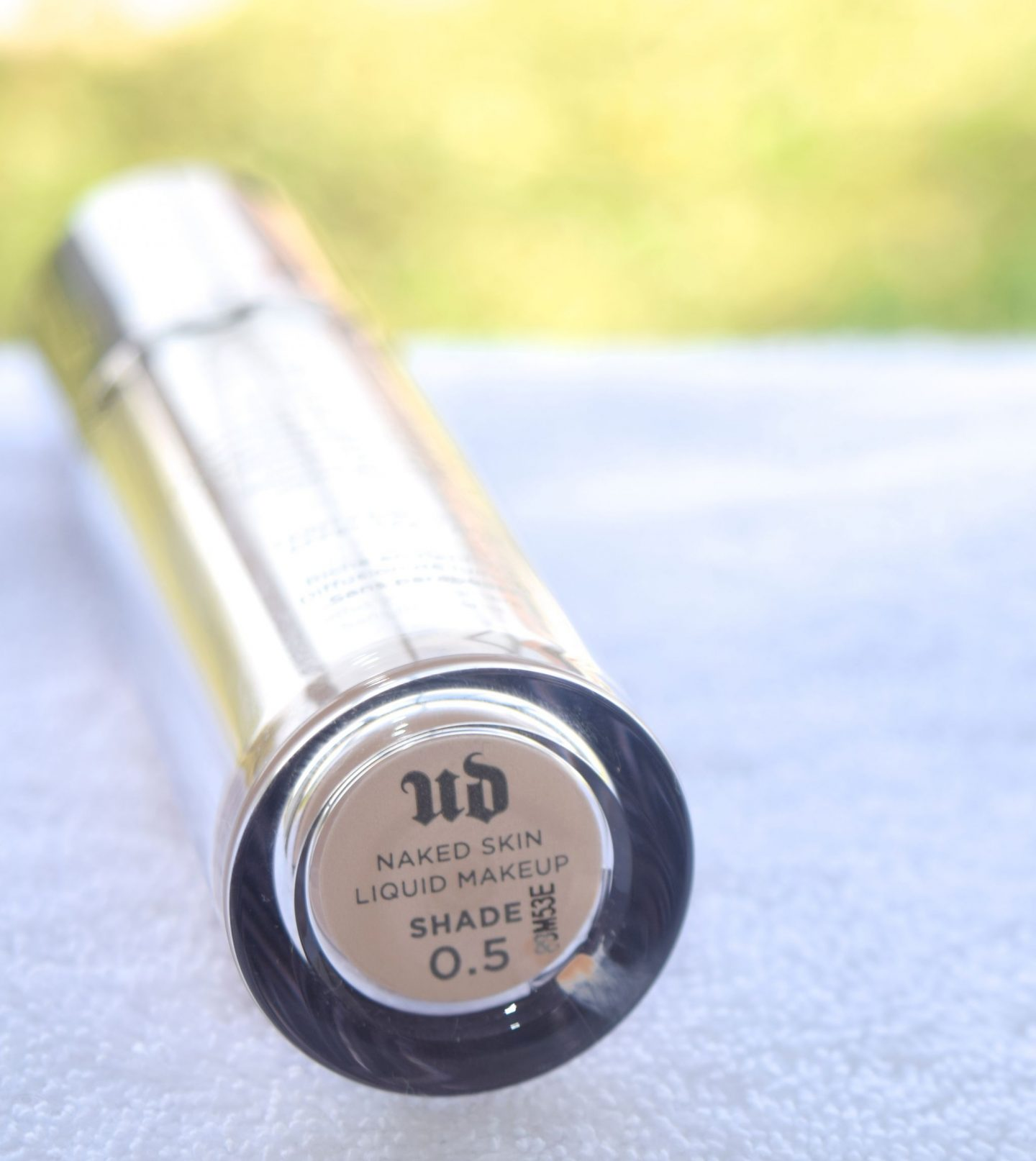 Urban Decay Naked Skin Weightless Foundation 0.5 1