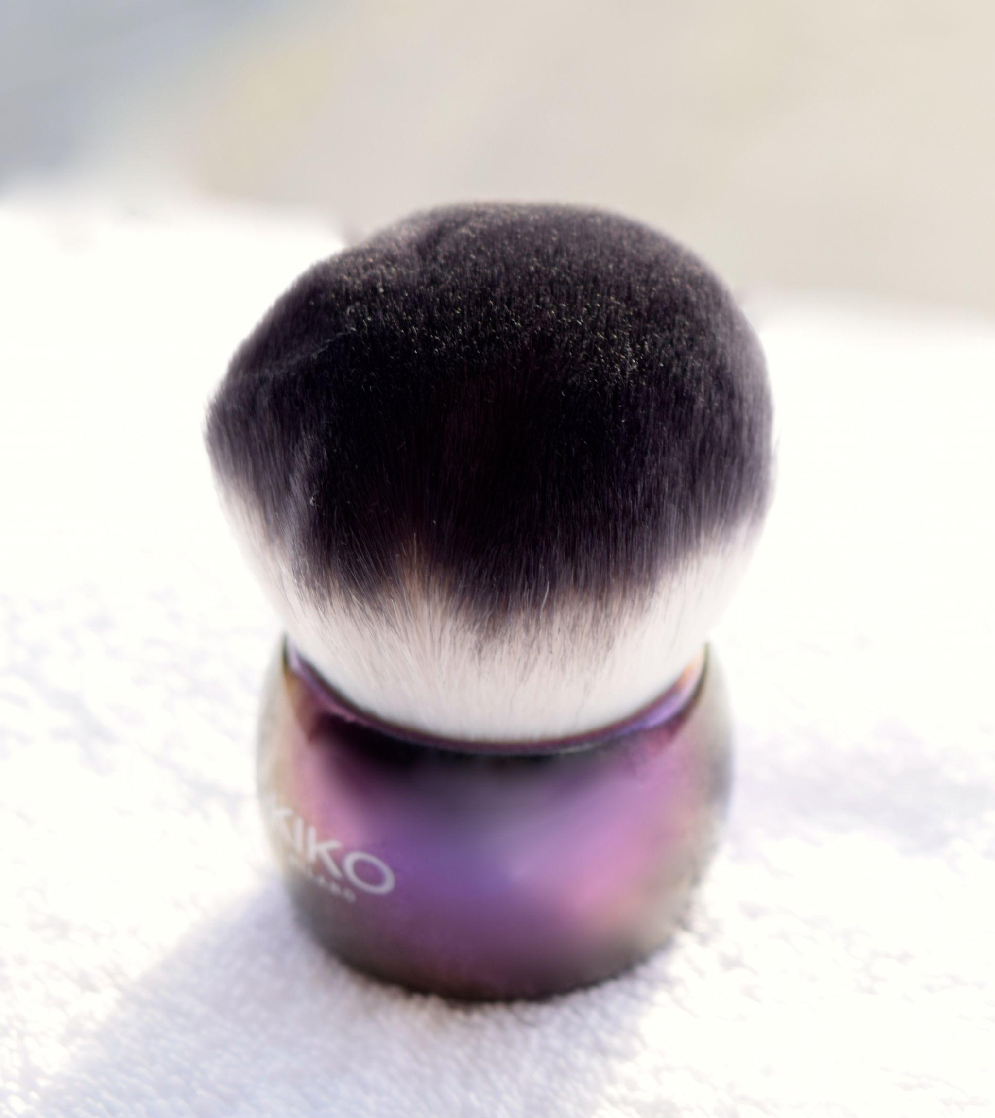 Kiko Cosmetics Midnight Siren Face Brush 1