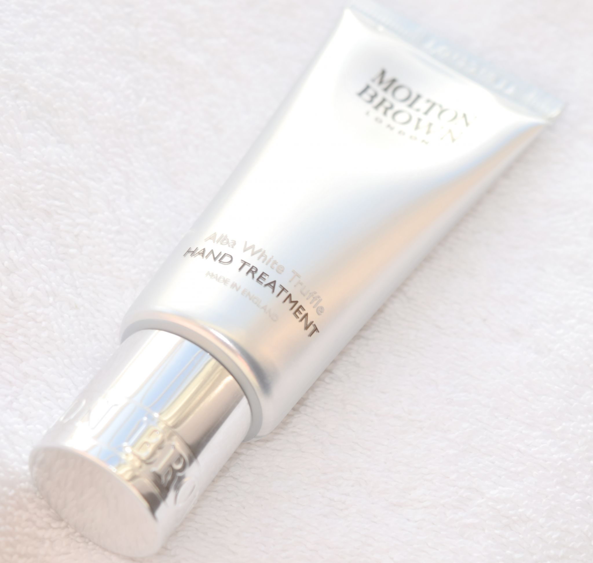 Molton Brown White Truffle Hand Treatment 1