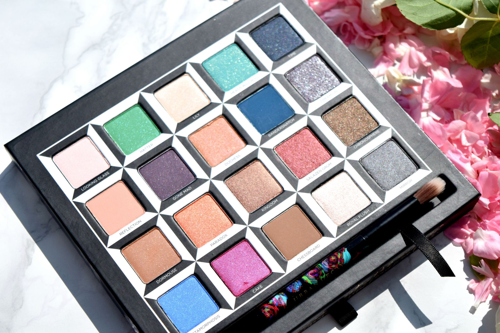 Urban Decay Alice in Wonderland shadow palette