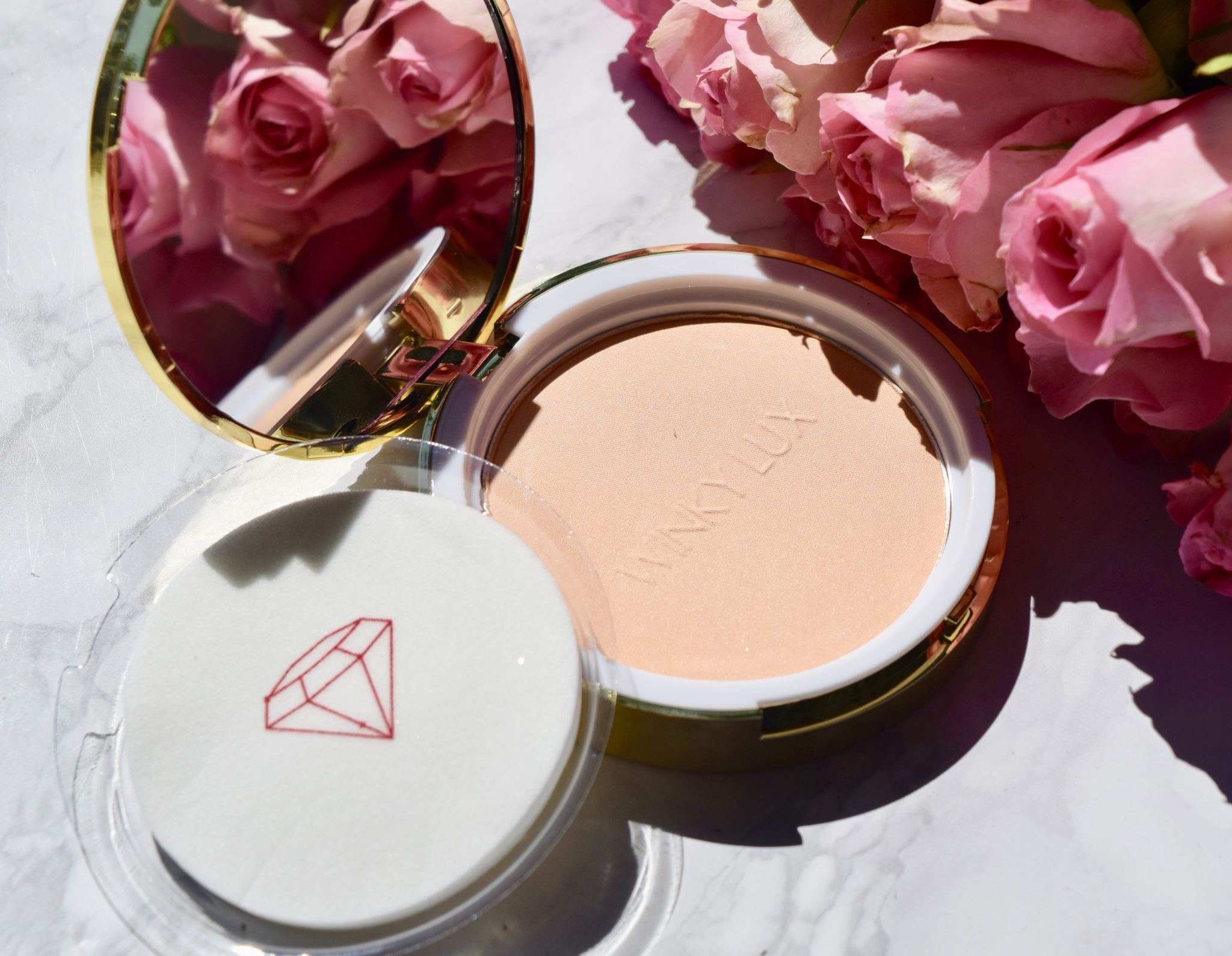 Winky Lux Diamond Complexion Powder